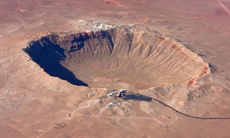 Иллюстрация на тему Аризонский кратер - таинственная история внеземного гостя