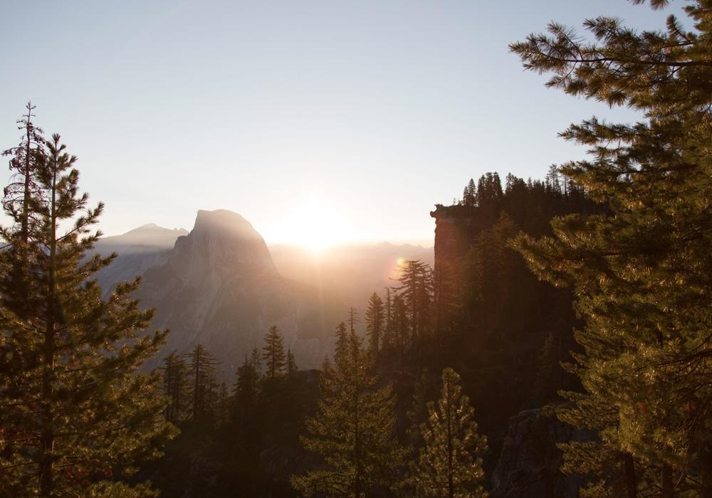 Иллюстрация на тему Гора Шаста в Калифорнии - легенды, витающие вокруг склонов