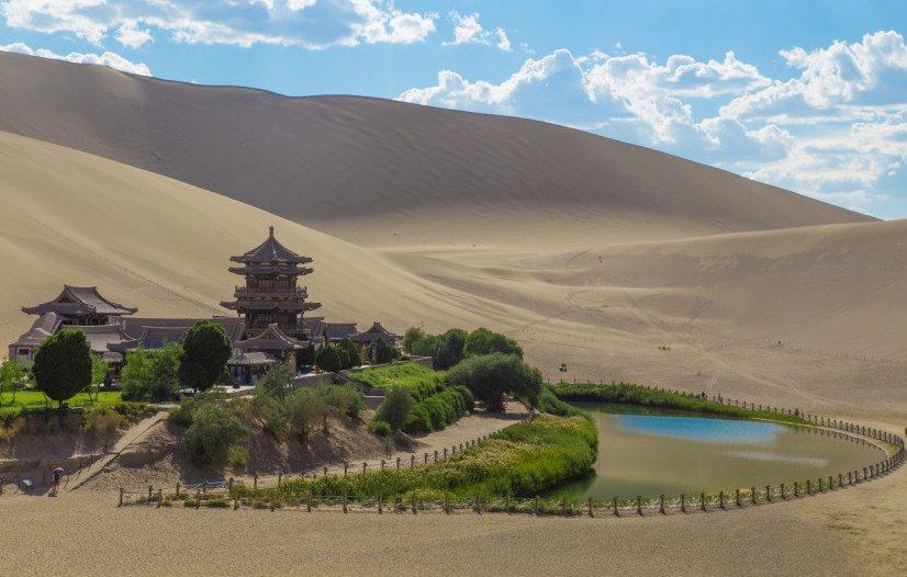 Иллюстрация на тему Пустыня Такла-Макан в Китае - описание и любопытные факты