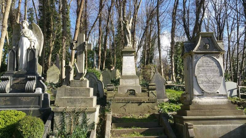 Иллюстрация на тему Хайгейтское кладбище в Лондоне: история, факты и мистика